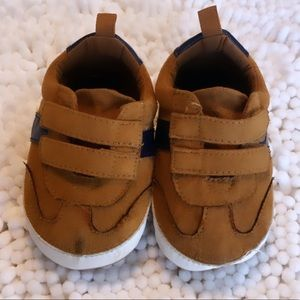 BABY SHOES. Size 12-18 months.